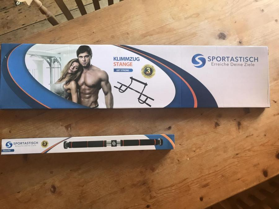 Sportastisch pull-up bars - The packaged pull-up bars on arrival
