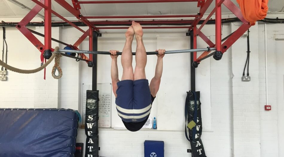 Calisthenics Hanging Windshield Wiper Exercise - Start